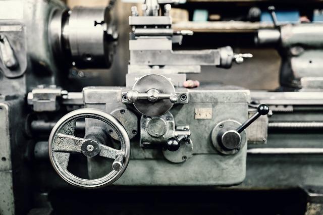 旋盤とは? 加工対象から機械構成などを解説!