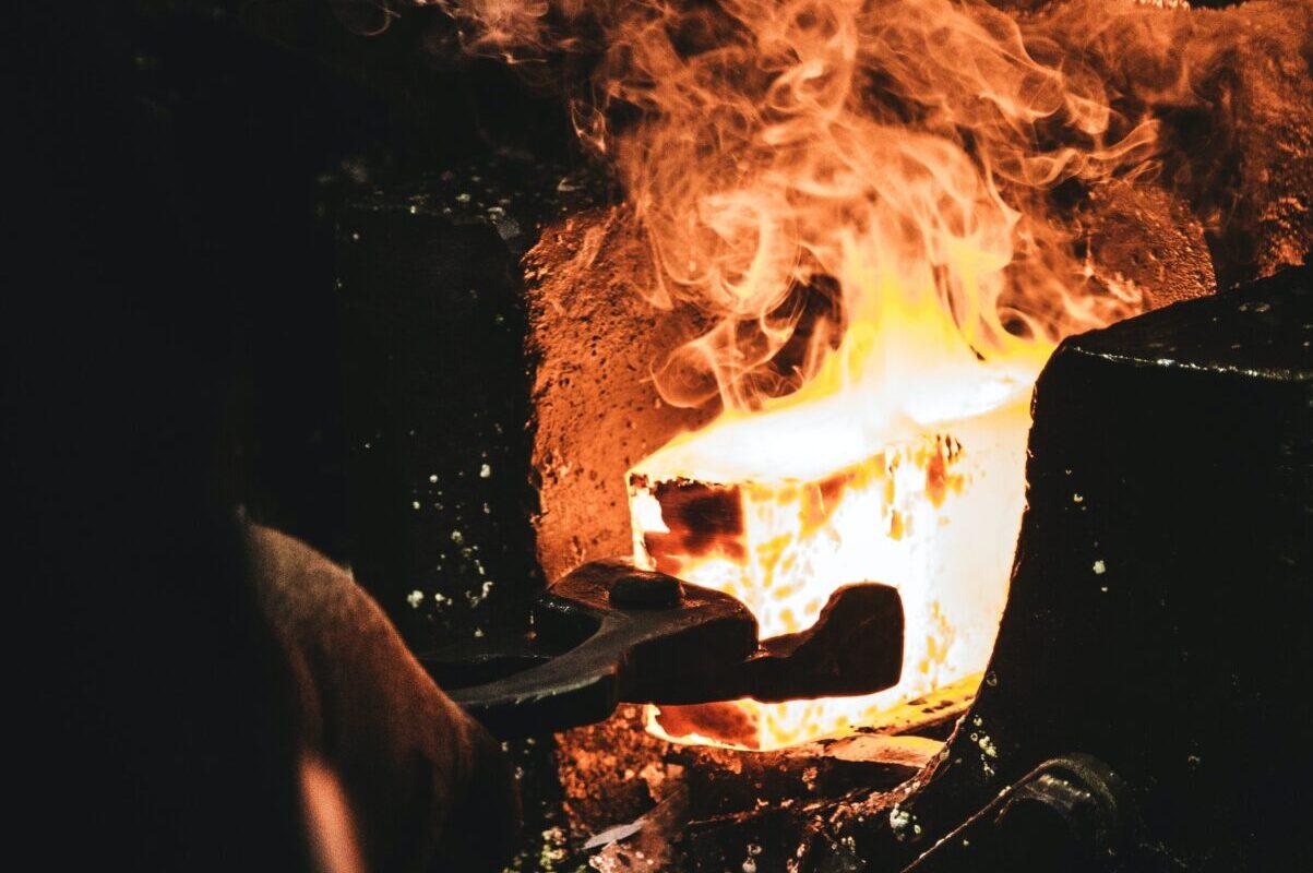 焼入れはアツくて奥が深い!なぜ硬くなる?